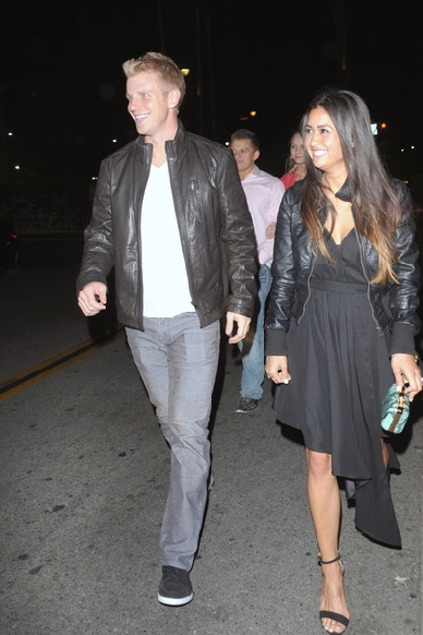 Sean & Catherine Lowe - Pictures - No Discussion 111