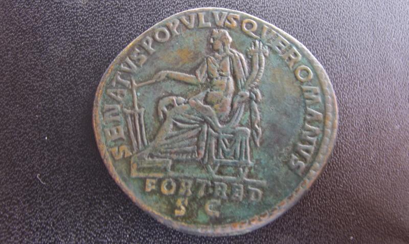 Sesterce de Trajan, faux ou regravé ? Img_2011
