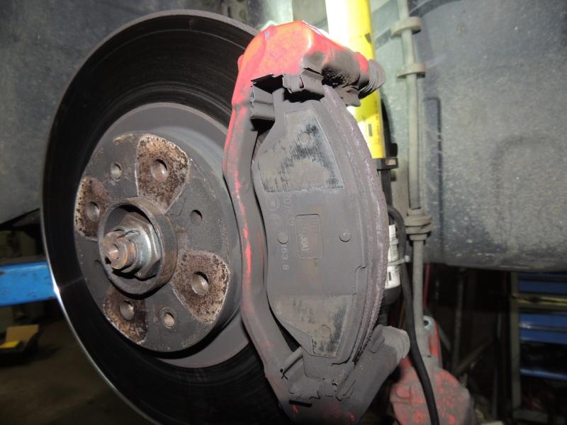 changement disque et plaquettes de frein avant Dscn5220