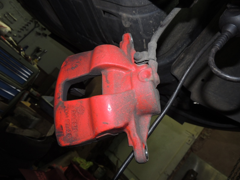changement disque et plaquettes de frein avant Dscn5221
