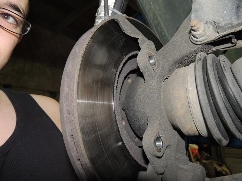 changement disque et plaquettes de frein avant Dscn5226
