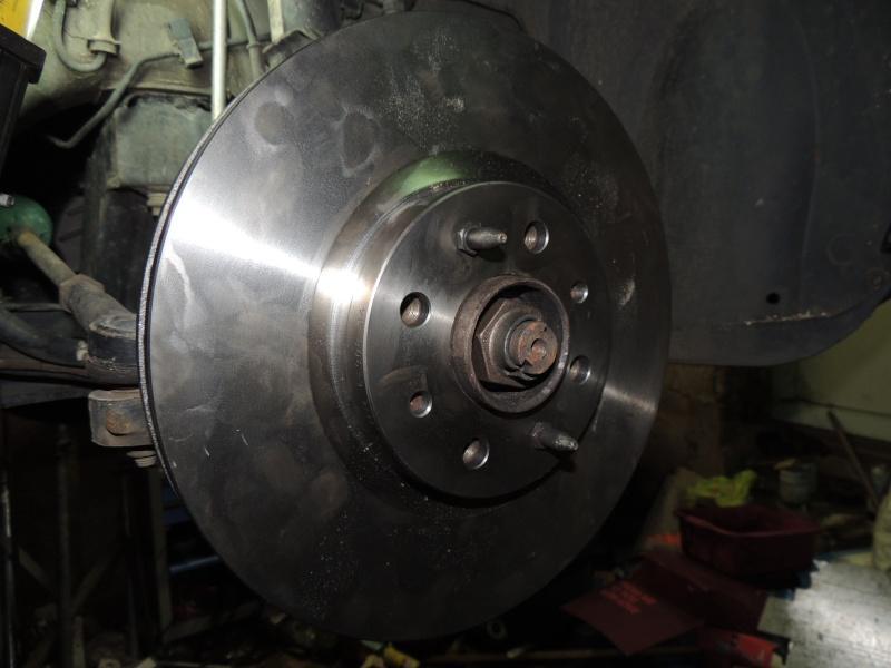changement disque et plaquettes de frein avant Dscn5229