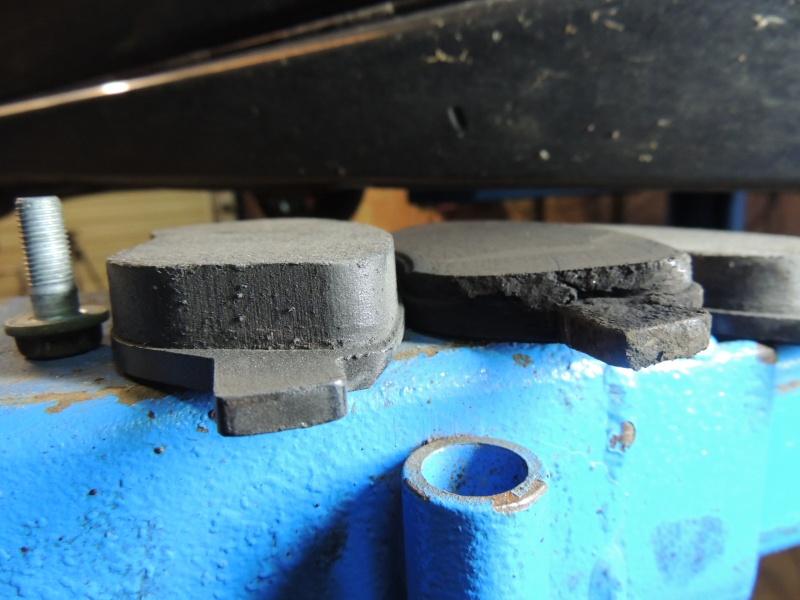 changement disque et plaquettes de frein avant Dscn5234