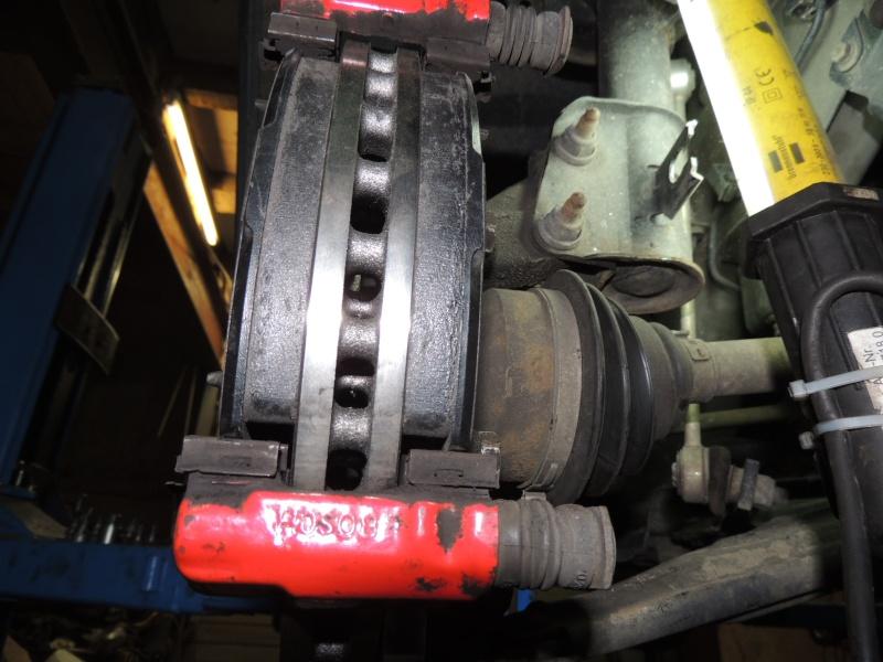 changement disque et plaquettes de frein avant Dscn5315