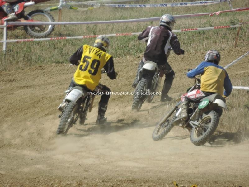 Calendrier 2013 moto et side car cross vintage - Page 2 Dscn2112