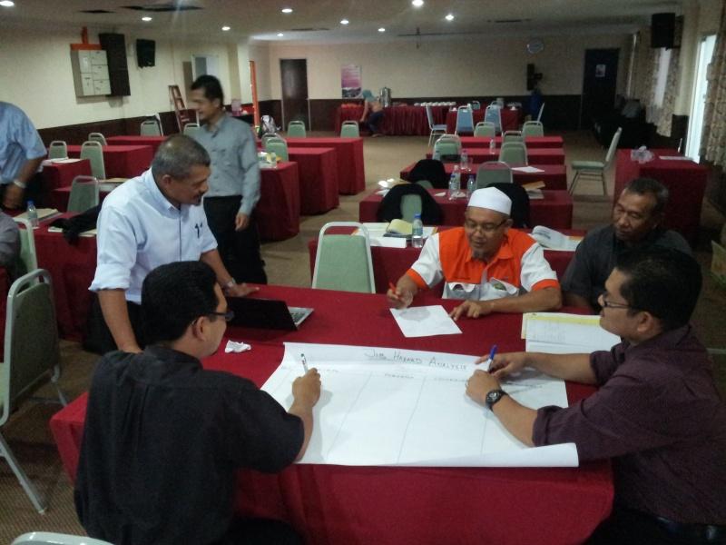 Lab Pemantapan Pelaksanaan Keselamatan dan Kesihatan Pekerjaan JPS Malaysia (sesi 2) 20130410
