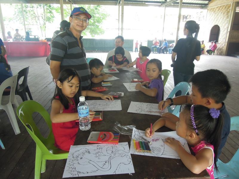 Jemputan Menghadiri Mesyuarat Agung Tahunan & Hari Keluarga KSH JPS Sabah 2013 - Page 3 Dscn0713