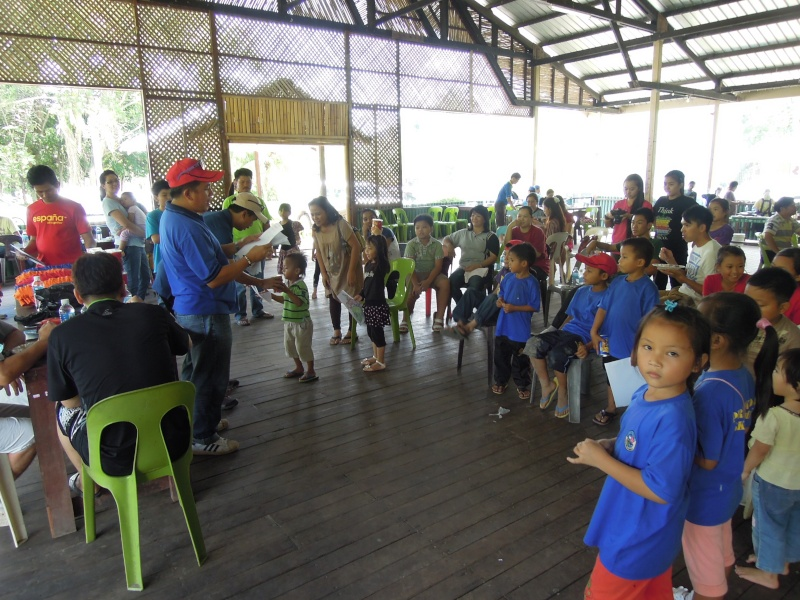 Jemputan Menghadiri Mesyuarat Agung Tahunan & Hari Keluarga KSH JPS Sabah 2013 - Page 3 Dscn0717