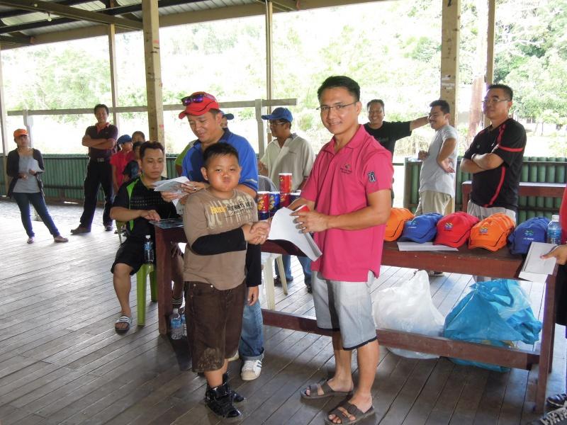 Jemputan Menghadiri Mesyuarat Agung Tahunan & Hari Keluarga KSH JPS Sabah 2013 - Page 3 Dscn0719