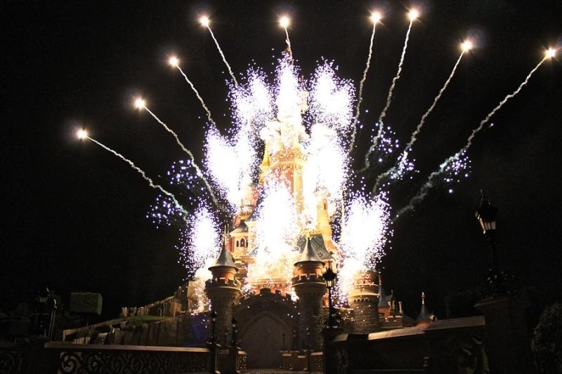 Vos photos des feux d'artifice et show nocturne ! - Page 6 Disney11