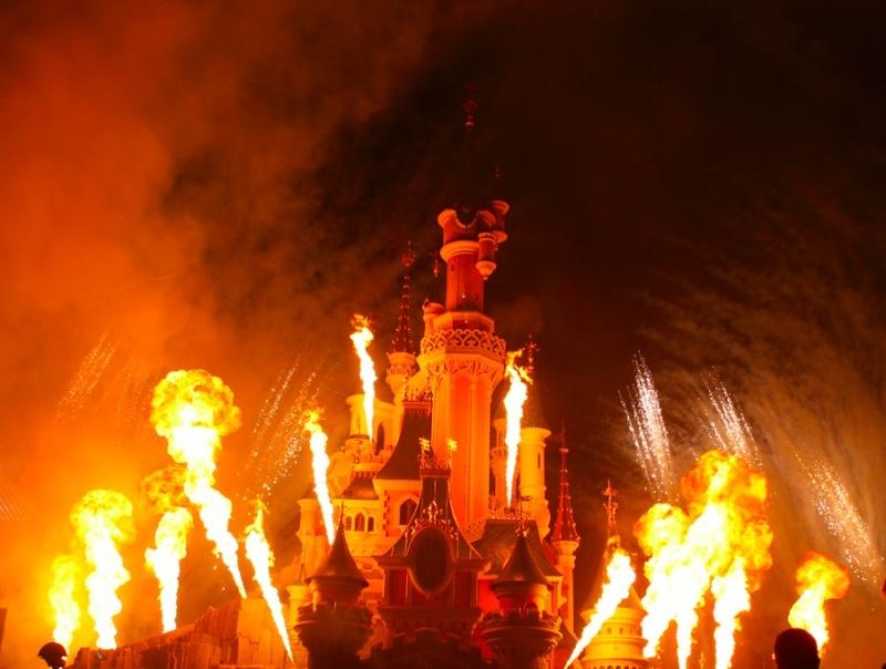 Vos photos des feux d'artifice et show nocturne ! - Page 6 Disney12
