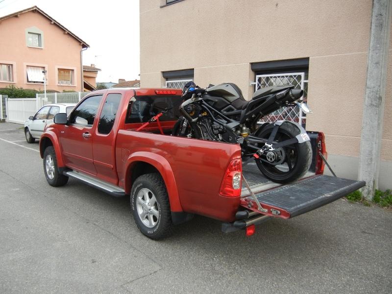 charger une moto dans un pickup Dscn0515