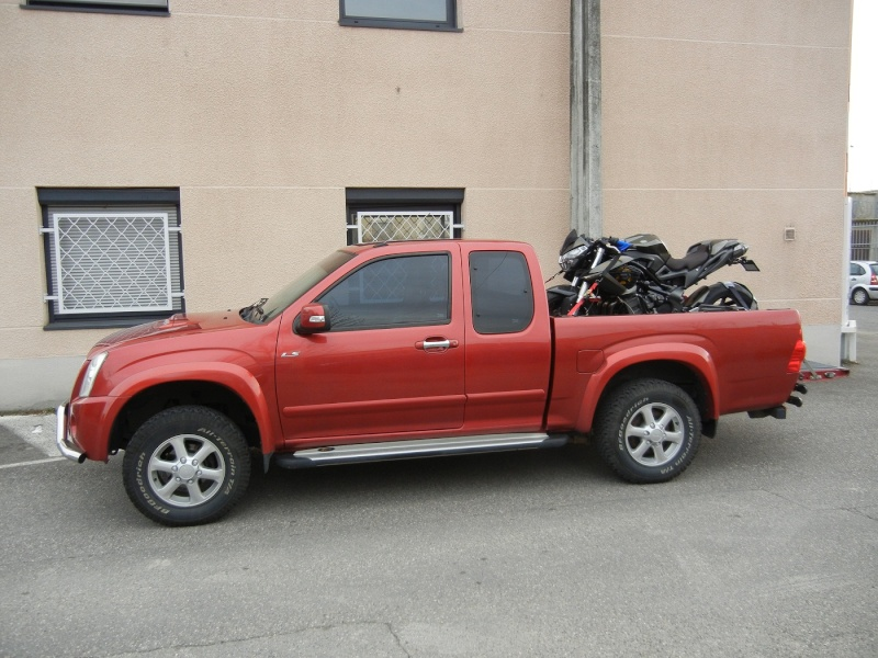 charger une moto dans un pickup Dscn0516