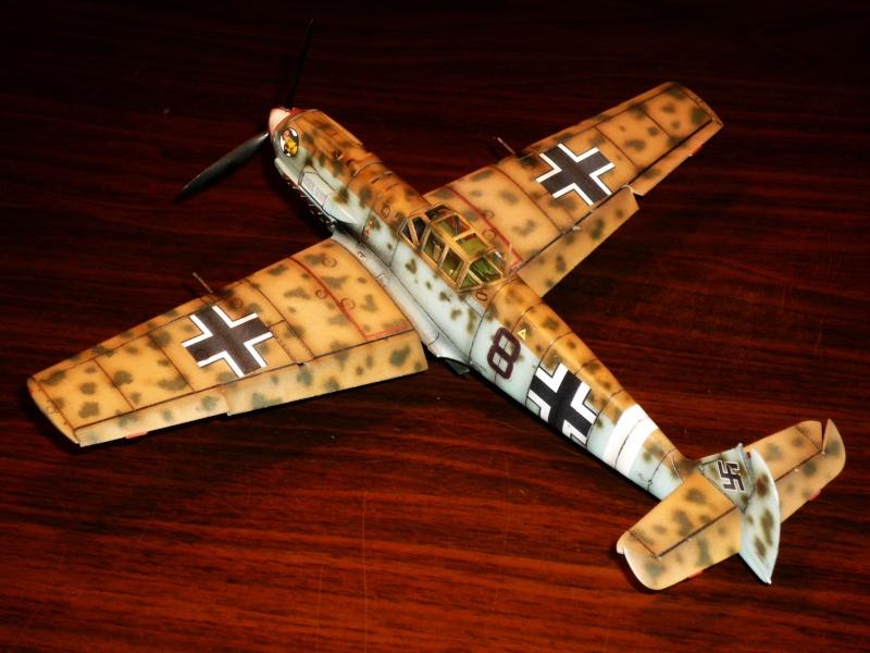 MESSERSCHMITT Bf109E-7 (Trop) (AIRFIX) [Modèle terminé] P1040710