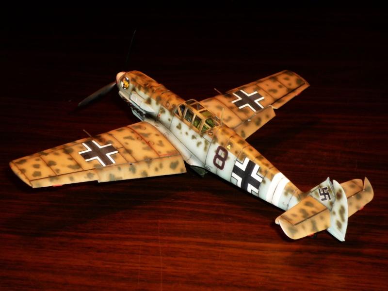 MESSERSCHMITT Bf109E-7 (Trop) (AIRFIX) [Modèle terminé] P1040711