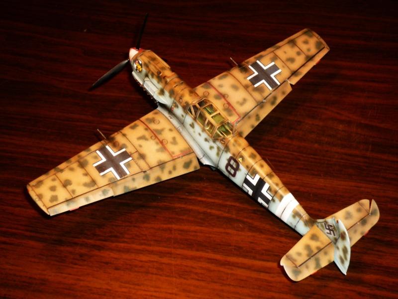 MESSERSCHMITT Bf109E-7 (Trop) (AIRFIX) [Modèle terminé] P1040712