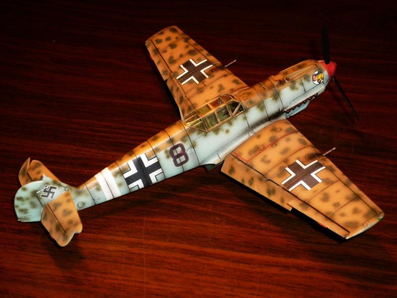 MESSERSCHMITT Bf109E-7 (Trop) (AIRFIX) [Modèle terminé] P1040713