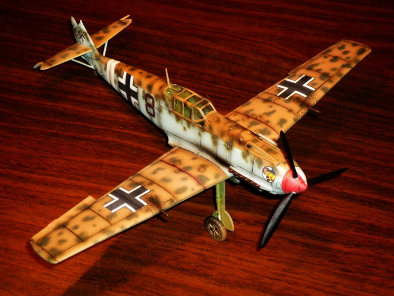 MESSERSCHMITT Bf109E-7 (Trop) (AIRFIX) [Modèle terminé] P1040715