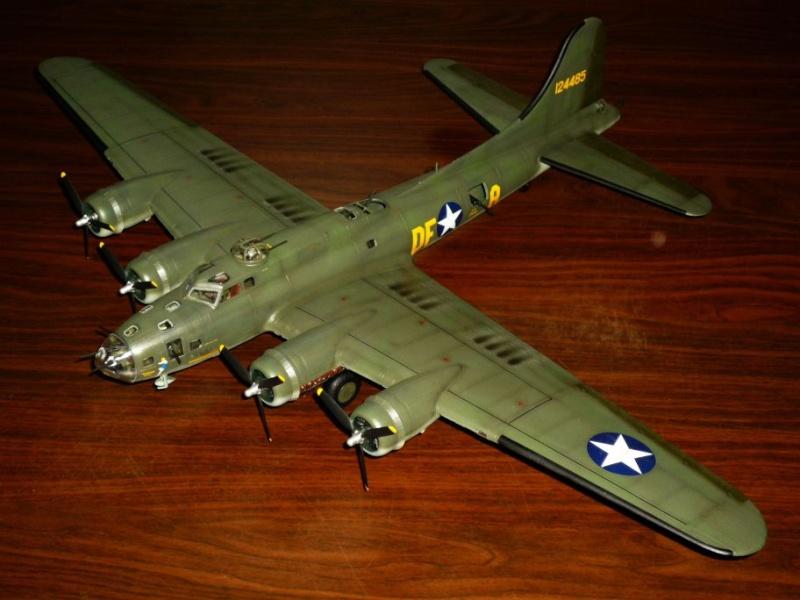 """BOEING B-17 F """"Memphis Belle"""" (REVELL) [Modèle terminé] P1050310"""