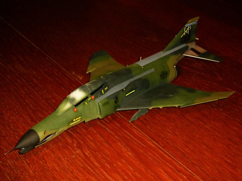 "F-4G Phantom II ""Wild Weasel"" (Hasegawa 1/48) [modèle terminé] - Page 2 P1060826"