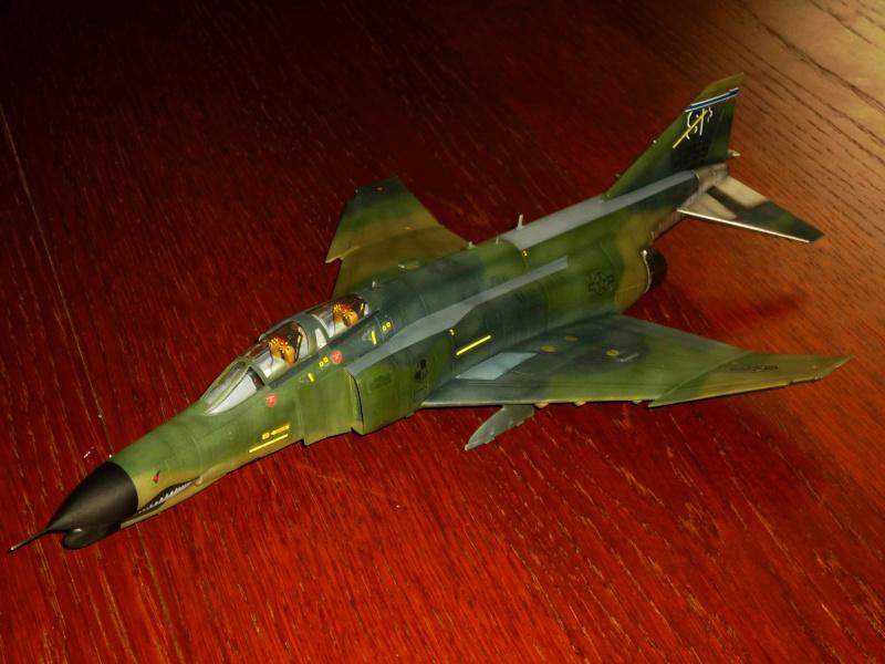 "F-4G Phantom II ""Wild Weasel"" (Hasegawa 1/48) [modèle terminé] - Page 2 P1060828"