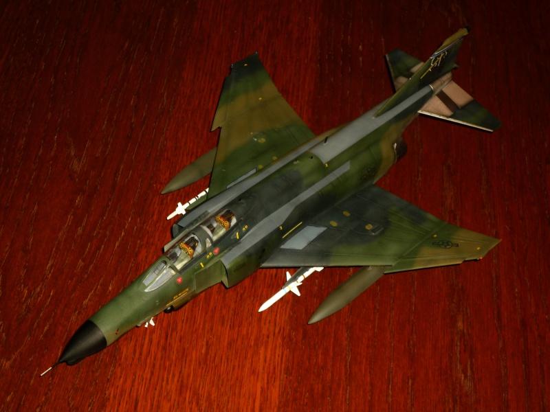 "F-4G Phantom II ""Wild Weasel"" (Hasegawa 1/48) [modèle terminé] - Page 2 P1060916"
