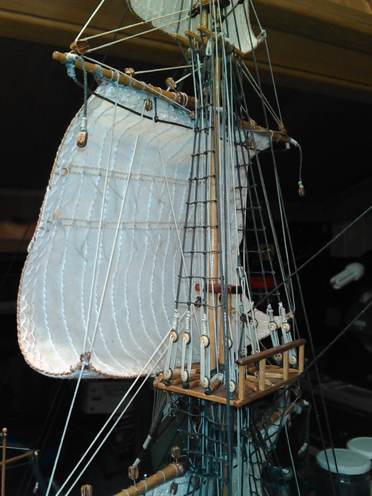 HMS ENDEAVOUR - Page 10 Img41111
