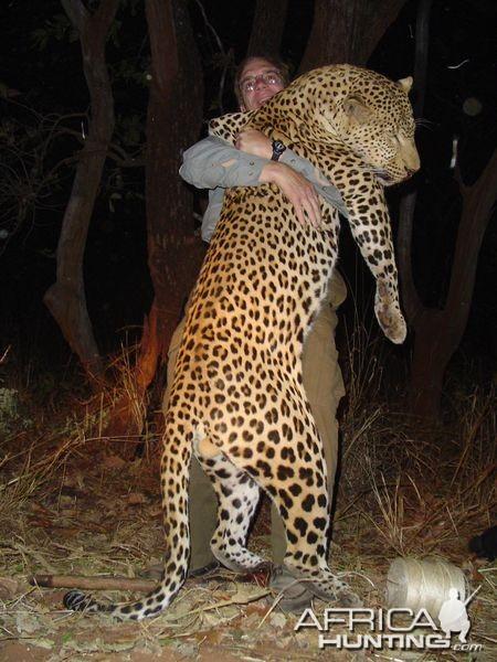 Jaguar venezuelano VS Leopardo macho monstro - Página 5 Zambia10
