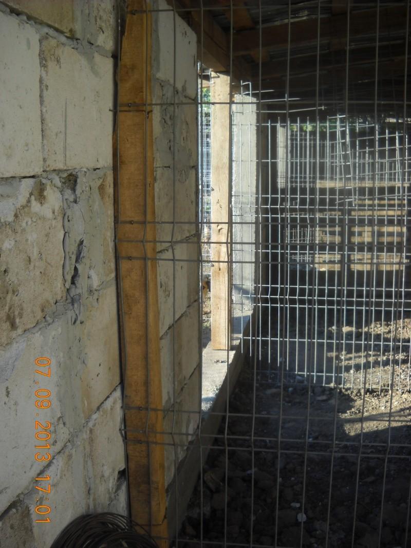 ALLEZ ON CONTINUE L'AVENTURE CONSTRUISONS LES DERNIERS  BOXES AU REFUGE DE LENUTA -  R - Page 3 Dscn6335