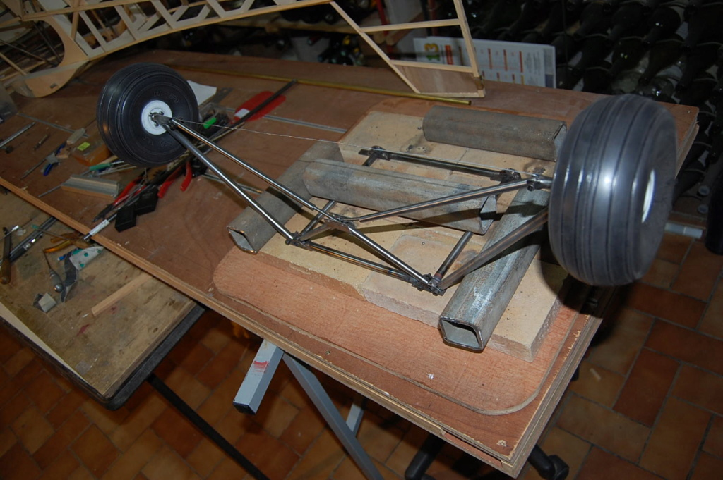 Construction d'un Piper J3 au 1/3 - Page 5 Dsc_0428