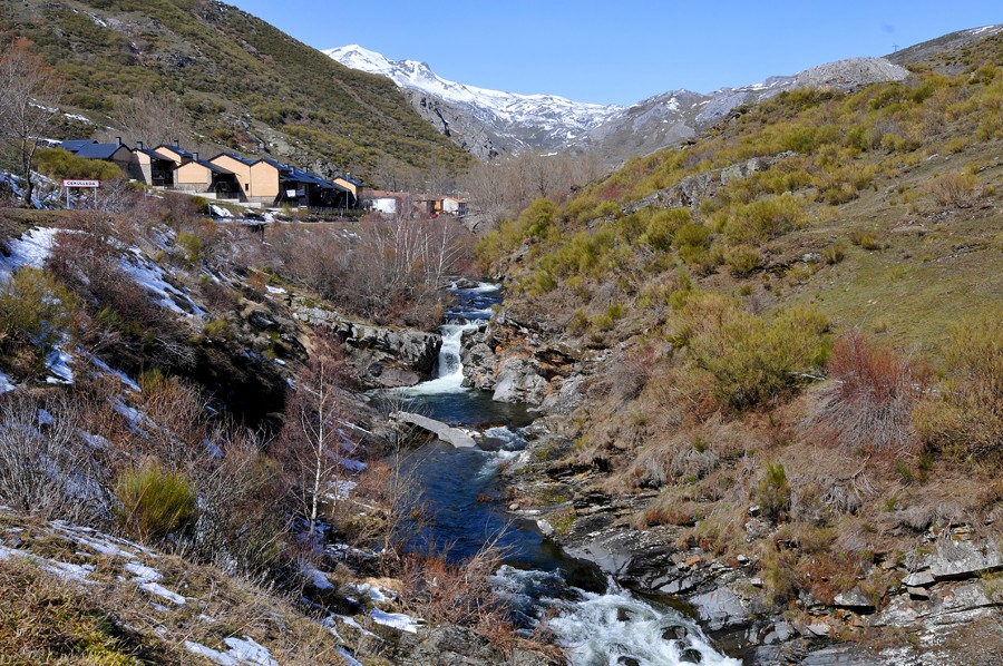Fly fishing in province Leon, Spain Curuea13
