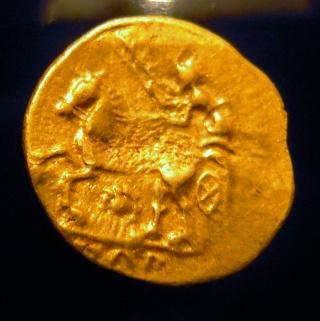 Les monnaies d'or gauloises des membres ... - Page 2 00311
