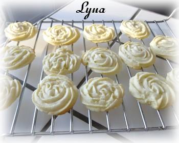 Biscuits Spritz au citron et garniture au fromage à la crème Biscui11