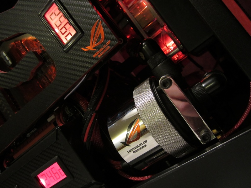 Bitfenix - Z77- Full Watercooling ROG Img_4429
