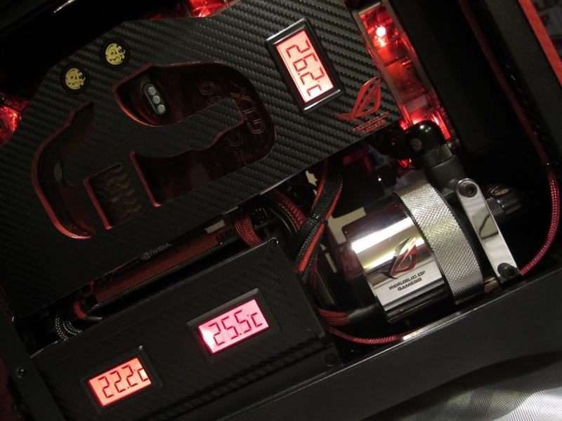 Bitfenix - Z77- Full Watercooling ROG Img_4445