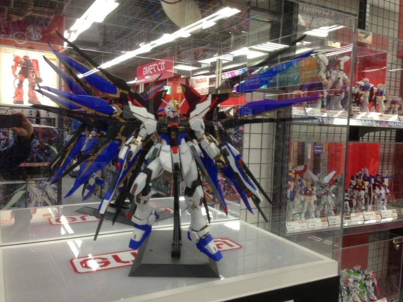 Visite au Japon: Transformers et autres robots - Mandarake, Tokyo Toy Show, Boutiques, Akihabara - etc - Page 2 Img_1815