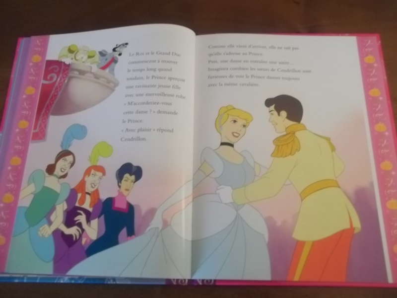 [Collection Press] N° 1 Princesses Disney - Hachette - Mars 2013 - Page 2 100_5450