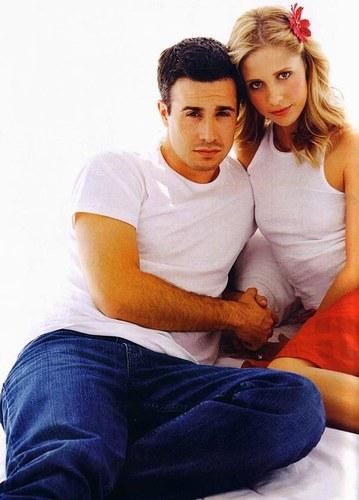 Sarah & Freddie : anniversaire de mariage 29581310