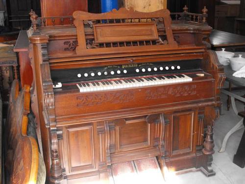 Un harmonium transformé en bar... en vente sur Le Bon Coin Pack111