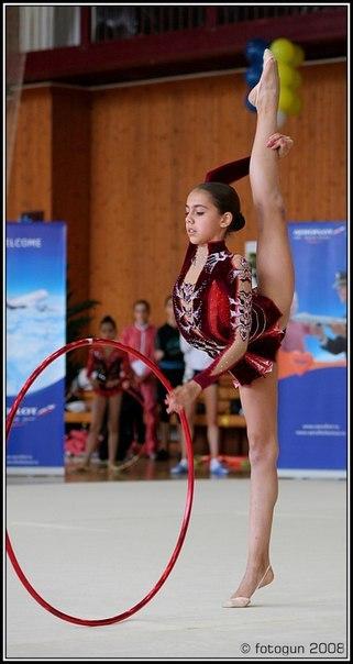 Les gymnastes lorsqu'elles étaient très jeunes - Page 2 2z3dc710