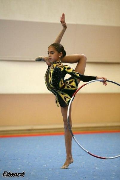Les gymnastes lorsqu'elles étaient très jeunes - Page 2 Mzmh6q10