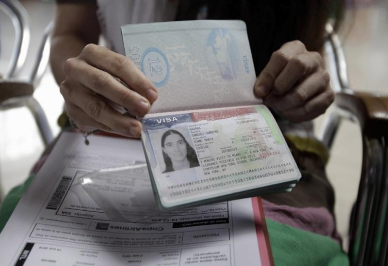 Yoani Sanchez tiene su pasaporte ya 09565714