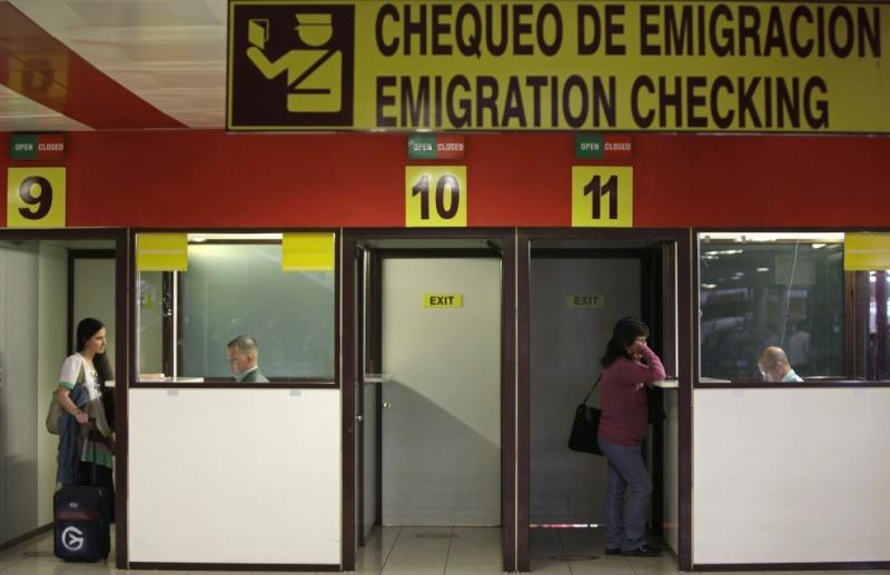 Yoani Sanchez tiene su pasaporte ya 09565715