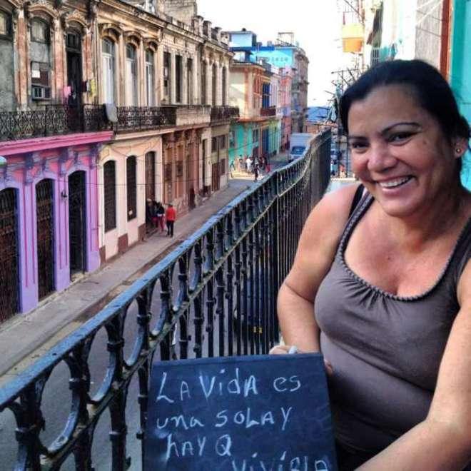 """I diari della borsa di Benedetta """"Così racconto com'è Cuba"""" 20130317"""