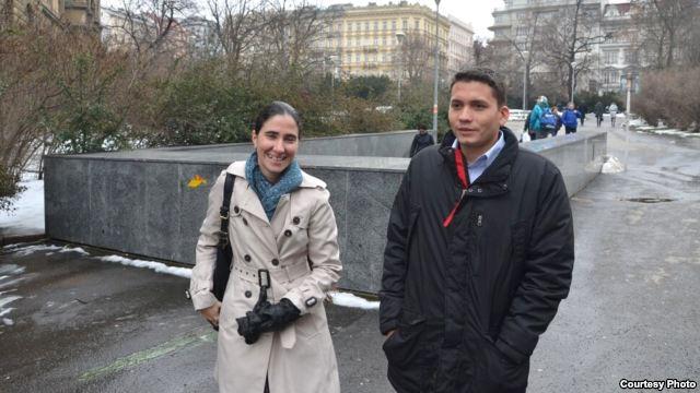 Yoani y Eliécer coinciden en Praga  5281c010