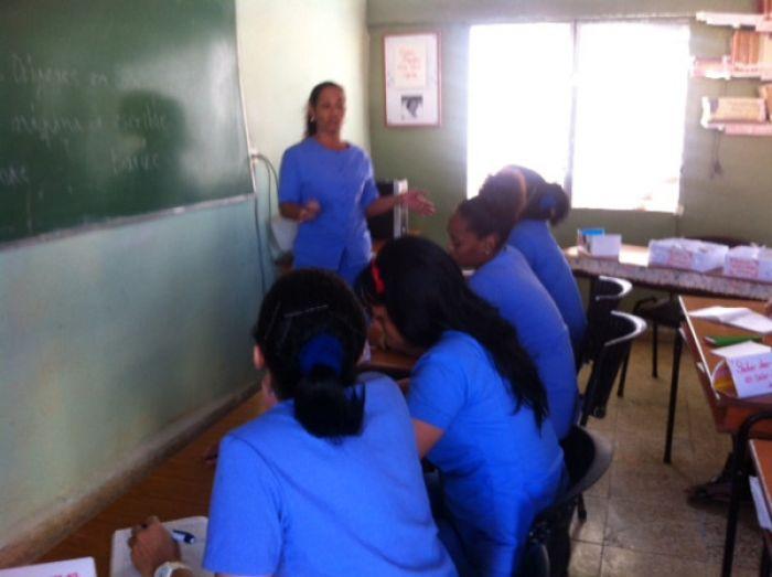Las cárceles de Cuba se abrieron a Twitter  B0756110
