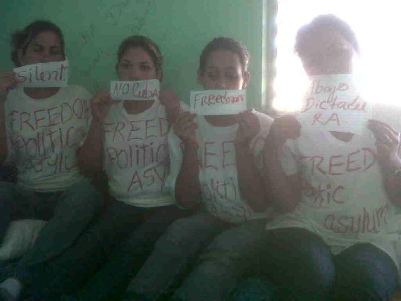 Imágenes exclusivas (Cubanas en huelga de hambre en bahamas) Bfvmoj10