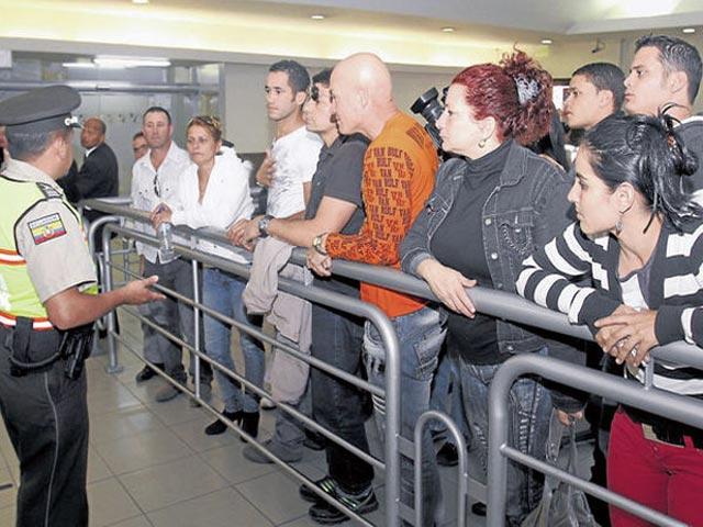 Emigrantes cubanos estafados en Ecuador Ecua-c10