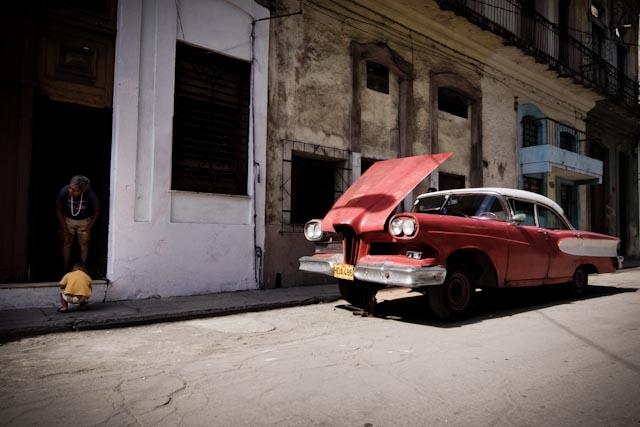 Fotografia. Cuba, esperando el pasaje  Havana11