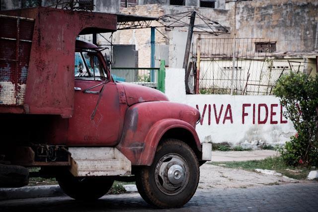Fotografia. Cuba, esperando el pasaje  Havana14